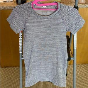 Lululemon workout short sleeve